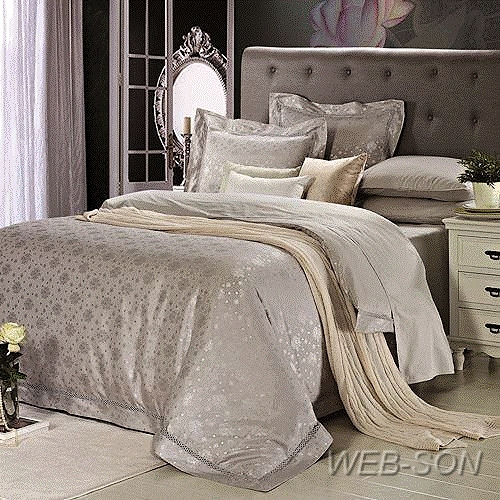 Комплект постельного белья из сатина с жаккардовой вышивкой. Подарочная упаковка.